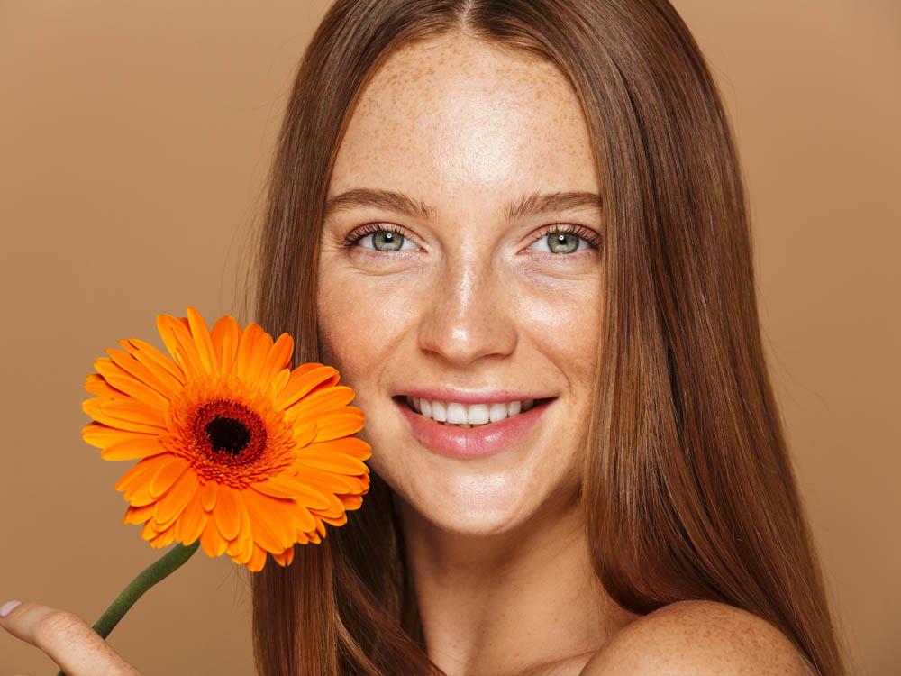 Jak zadbać o włosy latem?